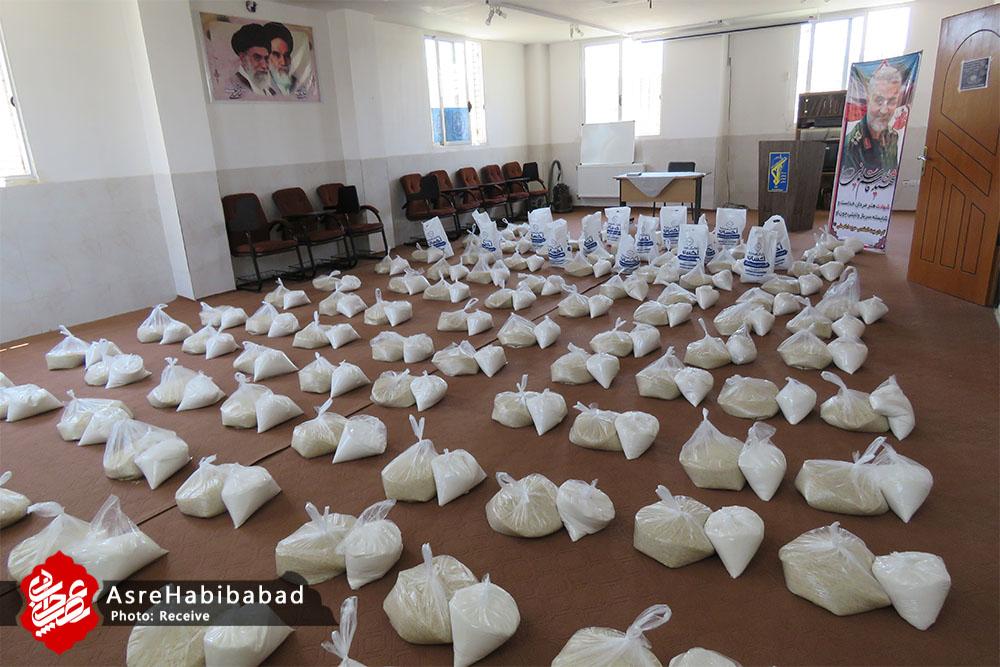 آغاز مرحله دوم نهضت کمک مومنانه در بخش حبیب آباد/ توزیع هزار بسته مواد غذایی بین نیازمندان شهرستان برخوار + تصاویر