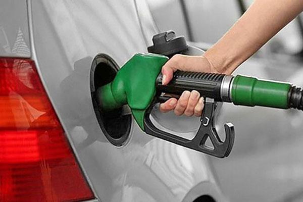 چه موقع از روز بنزین بزنیم بهتر است؟