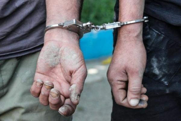 دستگیری دو سارق سیم و کابل برق و کشف ۳۵ کیلوگرم کابل مسروقه در برخوار
