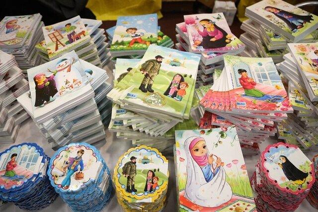 اهدای ۳۲۰ بسته آموزشی به دانش آموزان بی بضائت شهر خورزوق