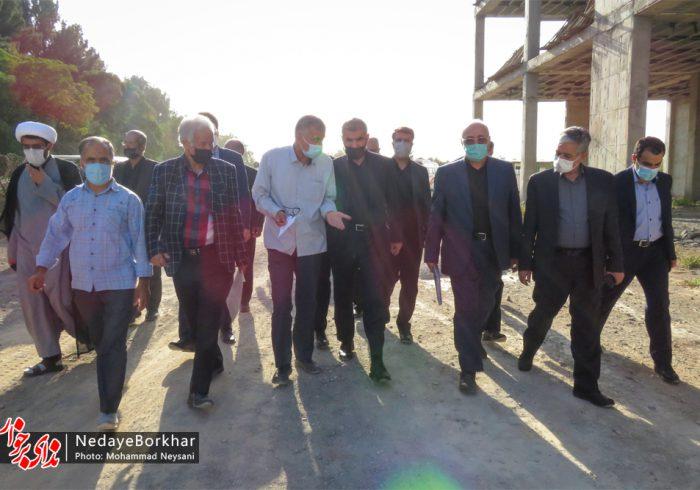 نایب رئیس مجلس شورای اسلامی از بیمارستان ۹۶ تختخوابی برخوار بازدید کرد